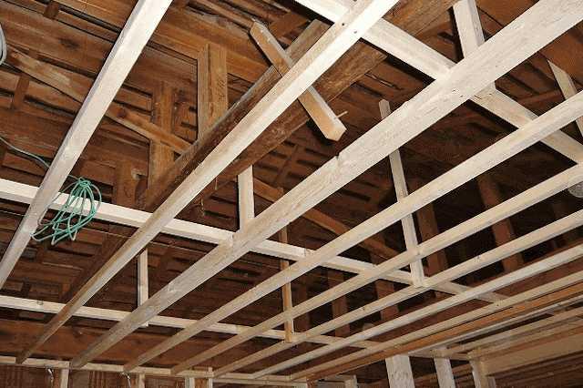 ⑦築年数が経過した建物は耐震補強も検討を
