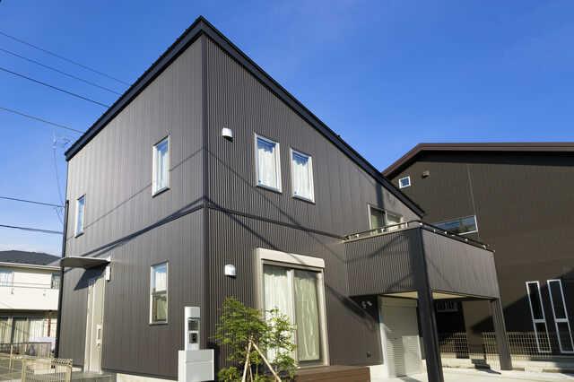 サイディング外壁材メーカー7選&おすすめ品(ニチハ/ケイミュー他)!リフォーム施工例もご紹介