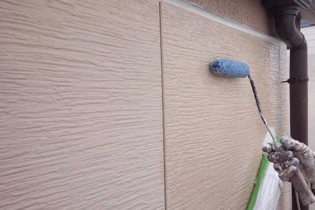 【コーキング打ち替え&外壁塗装の同時施工がおすすめ】<p></p>